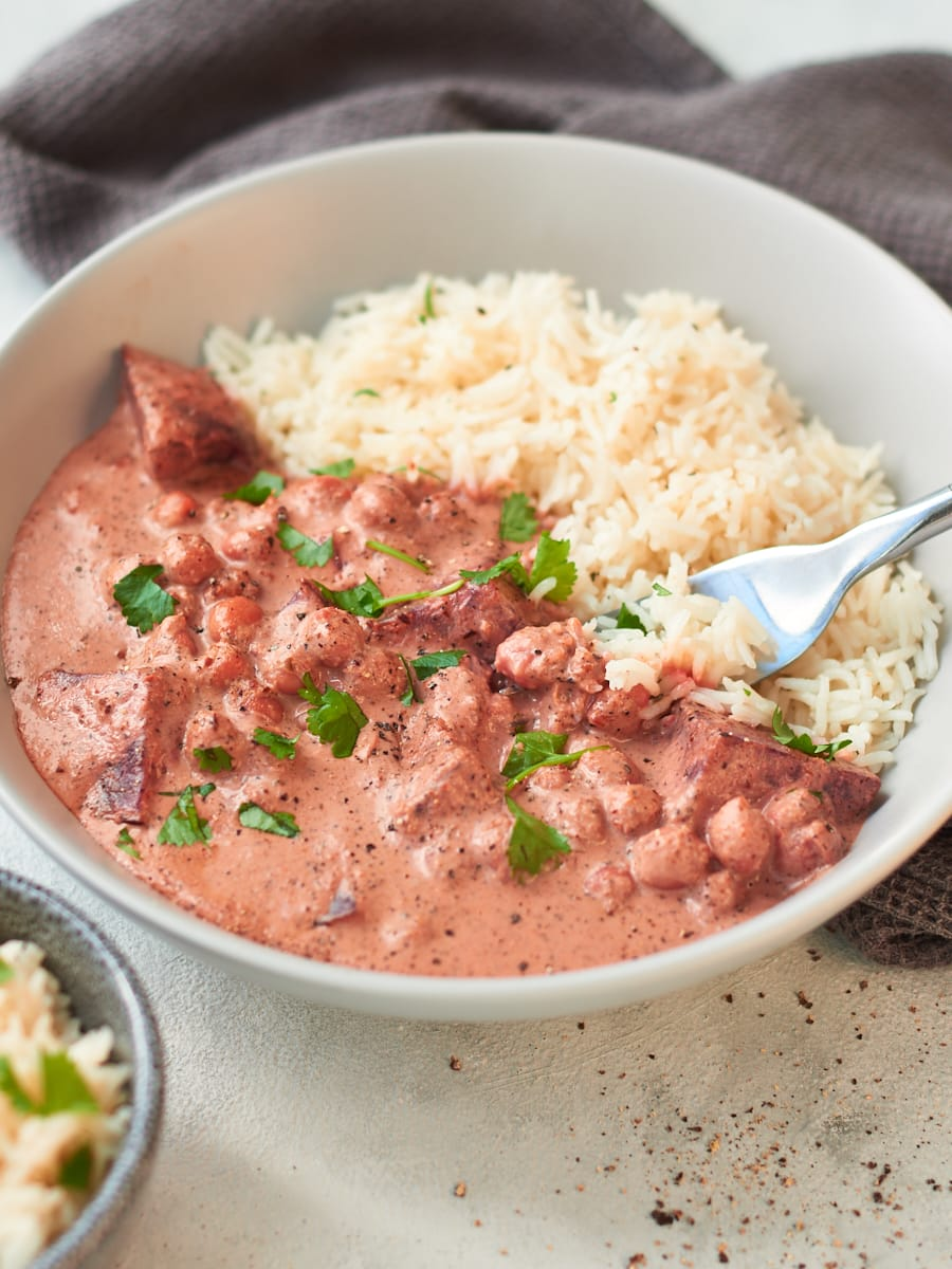 Easy vegan beetroot curry with rice 5