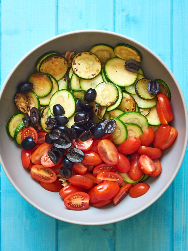 Courgettes, Pasta, Tomatoes and Olives in Bowl