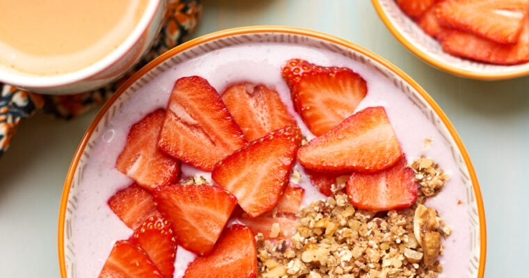 Strawberry Cheesecake Breakfast Bowl