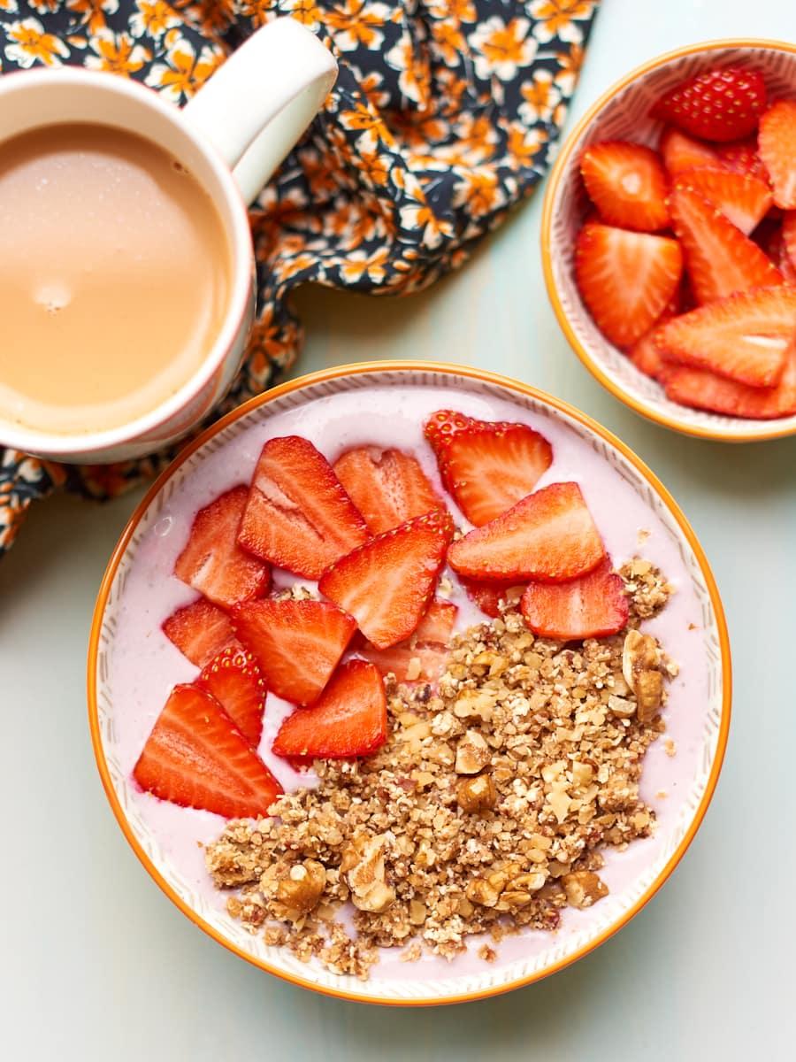 Strawberry cheesecake breakfast bowl 3