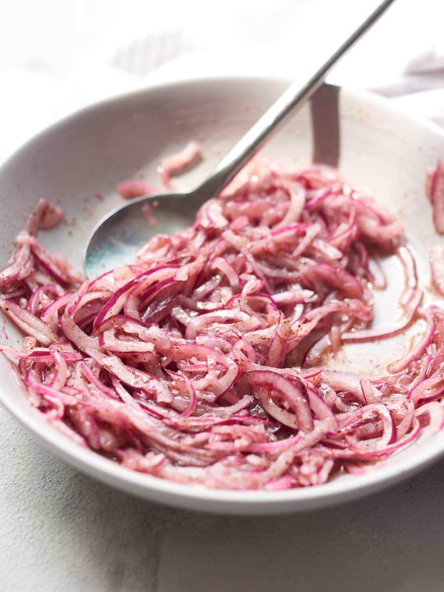sumac onions in bowl