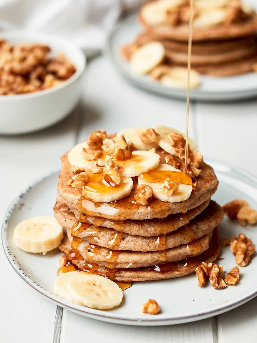 Stack fo vegan banana pancakes 3