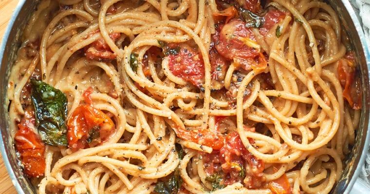 Creamy Vegan Tomato Spaghetti Carbonara