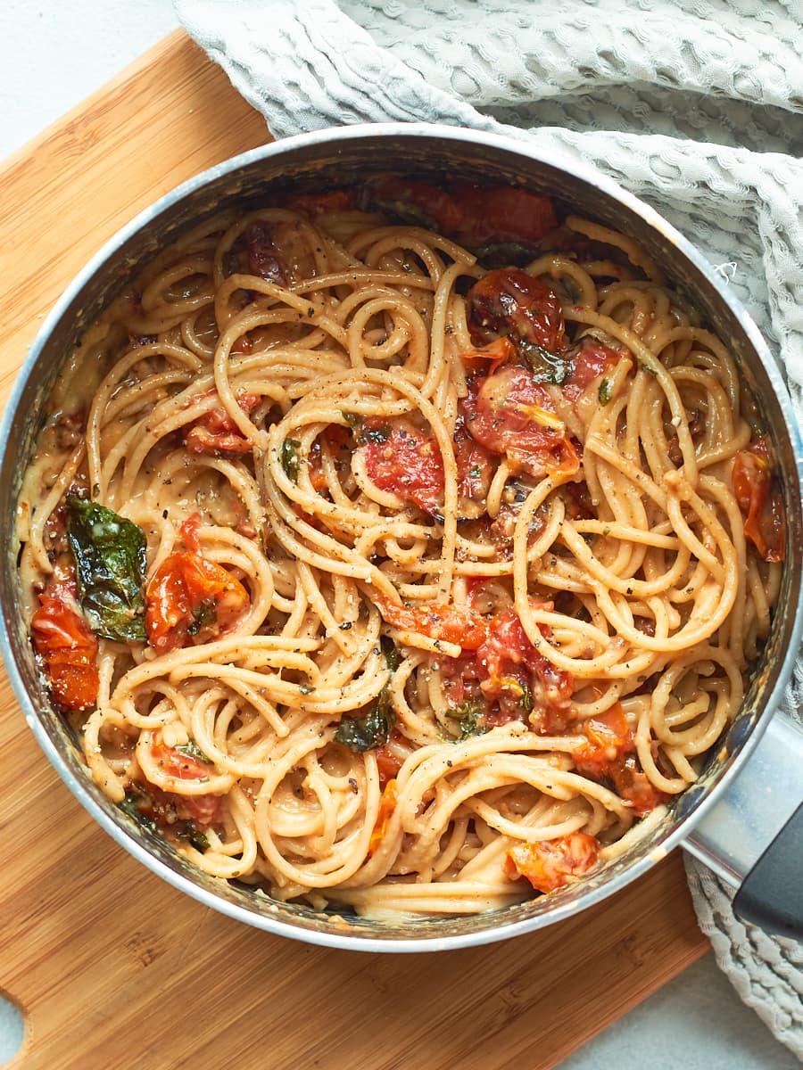 Tomato Spaghetti carbonara in pan 2