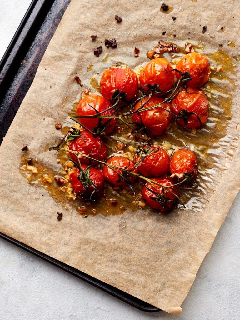 Roasting tomatoes and garlic 2