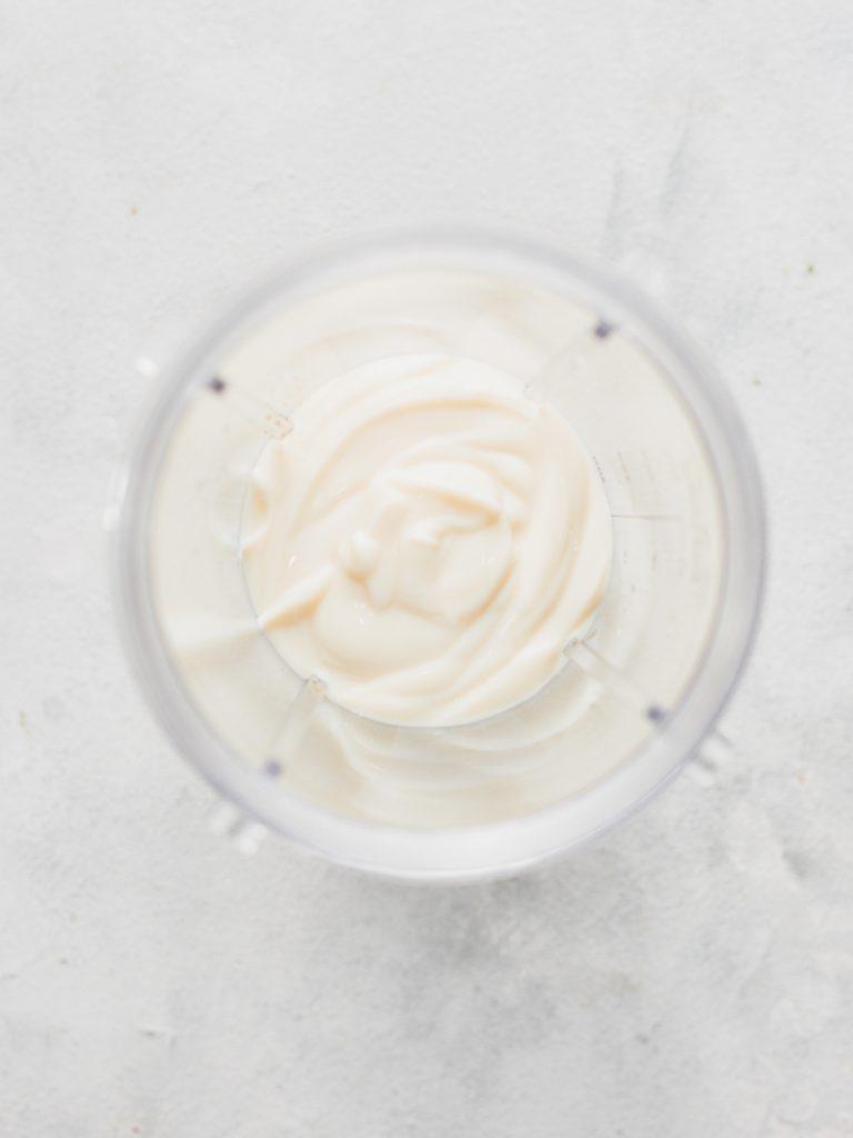 Adding yoghurt to bullet blender