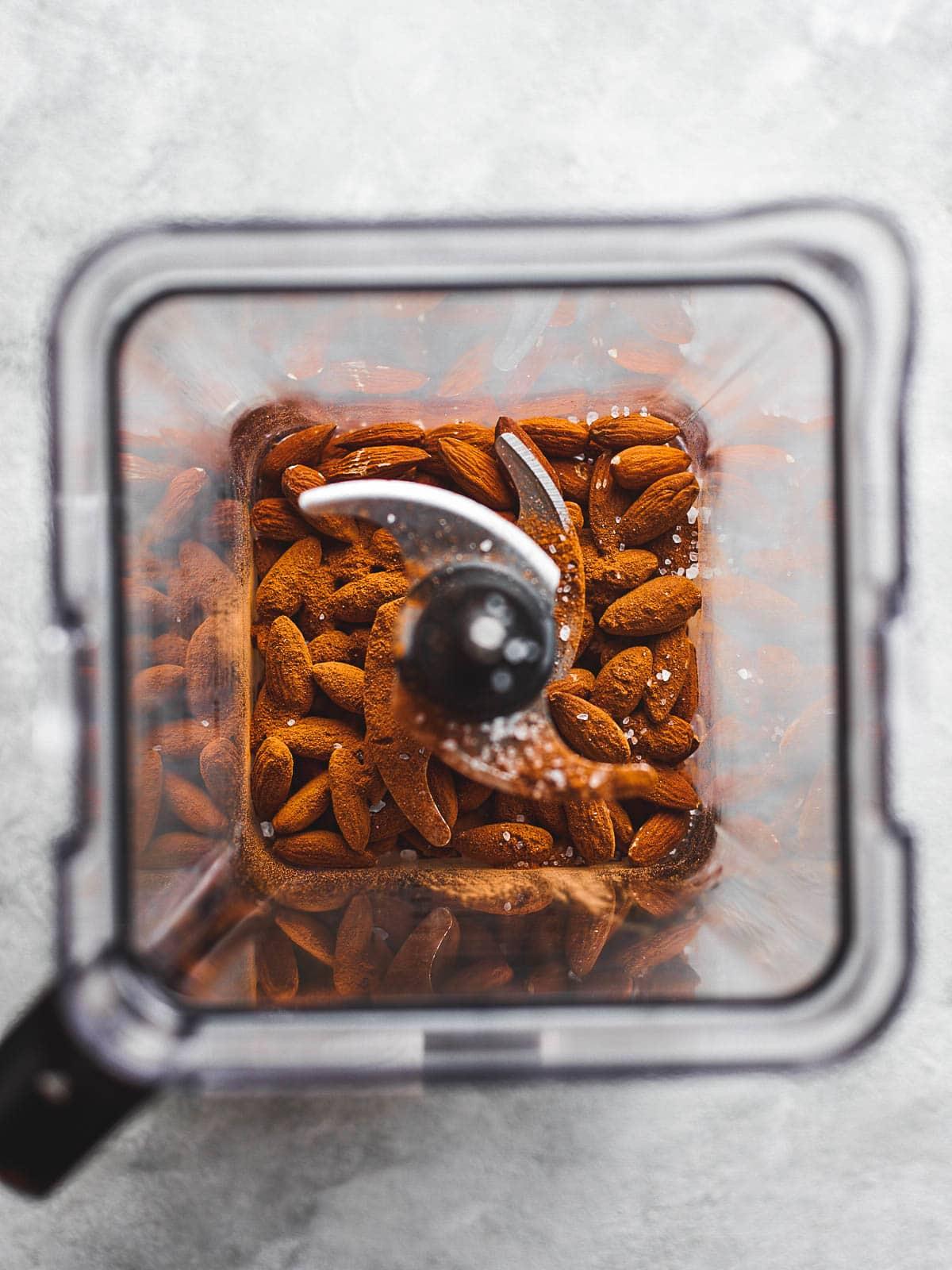 Almonds, cinnamon and salt in the blender
